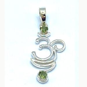 om moldavite pendant
